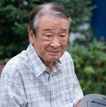 イ・スンジェキム・マンボク役謎のおじいさん
