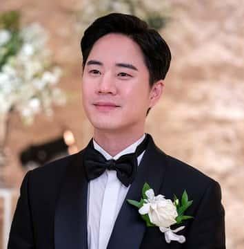 パン・ジョンナム役はムン・テユ